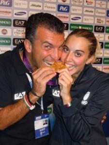 Roberto Re con Jessica Rossi alle Olimpiadi di Londra del 2012 dopo la vittoria della medaglia d'oro nel tiro al volo